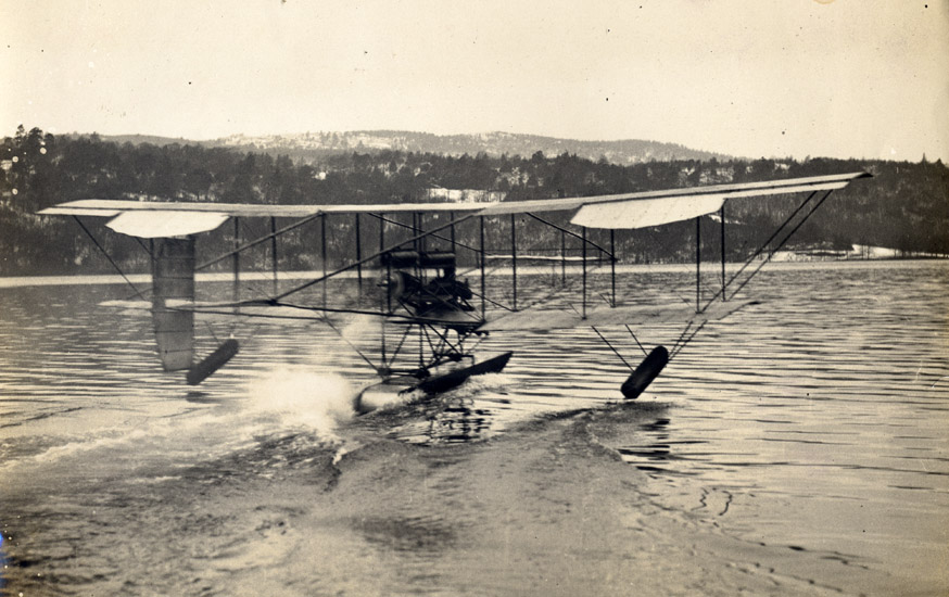 The original Waterbird, launching from Lake Windermere. Picture courtesy of the Lakes Flying Co. Ltd.